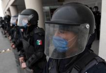Arrestan a policía de Oaxaca que reveló brote de Covid