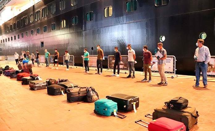 México repatría a 187 ocupantes de crucero holandés varado por la pandemia