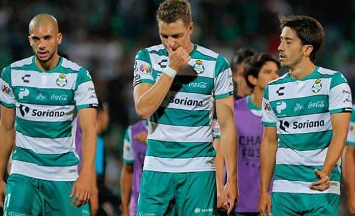 Santos reconoce que algunos jugadores se reunieron en sus casas para entrenar