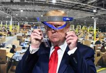 Trump aprovecha visita a Ford para hacer un mitin