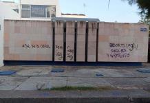 Grafitean sedes del PAN y el PRI, por rechazo a la despenalización del aborto