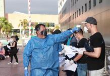 México repatria a otras 414 personas varadas en un crucero a Brasil y Europa