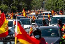 Ultraderecha protesta contra las medidas del gobierno de España
