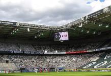 Unas 12 mil figuras de cartón animaron al Gladbach ante el Leverkusen