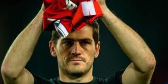 Iker Casillas dice adiós al futbol profesional (FOTOS)