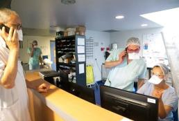 Francia registra 13,215 casos y 123 muertes por coronavirus en un día
