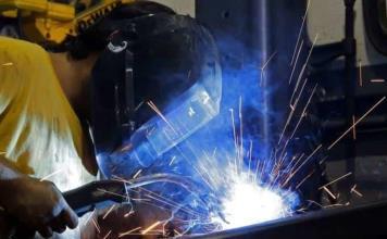 Empleo en manufacturas, con mayor alza en 10 años