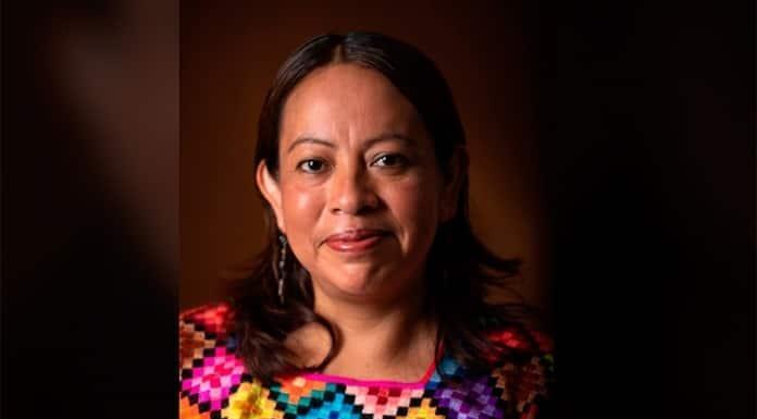 La mexicana Juana Peñate gana el Premio de Literaturas Indígenas de América'>
