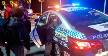 Agentes viales evitan posible suicidio de una policía de Soledad