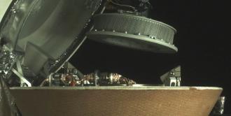 Cápsula recoge muestras de asteroide para traer a la Tierra