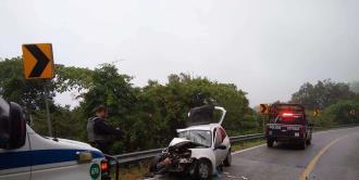Aparatoso choque en la carretera Valles-Rioverde; una persona lesionada
