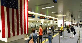 Pese a pandemia, millones en EEUU planean viajar por feriado