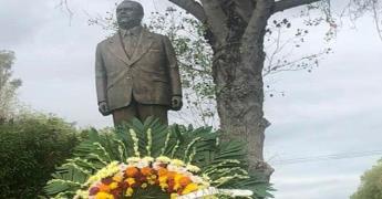 Honran a Jonguitud a 9 años de su muerte