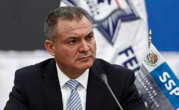 UIF presenta demanda en EU para recuperar dinero y bienes de García Luna