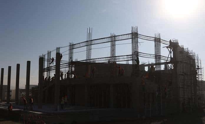 Acumulan ocho años a la baja empresas constructoras