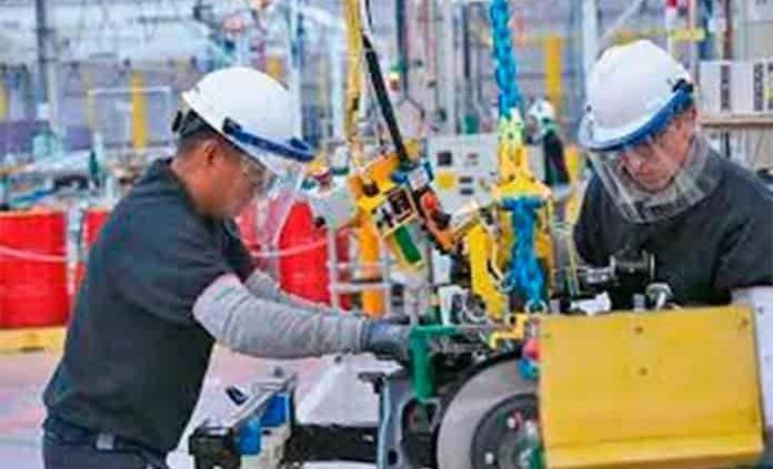 Se requiere generar 800 mil empleos nuevos en 2021: BBVA
