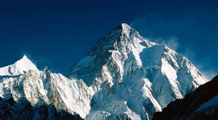Escaladores nepalíes logran la primera ascensión invernal al K2'>