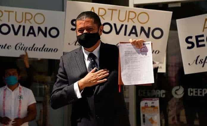 Segoviano se registra como primer candidato independiente a la gubernatura de SLP