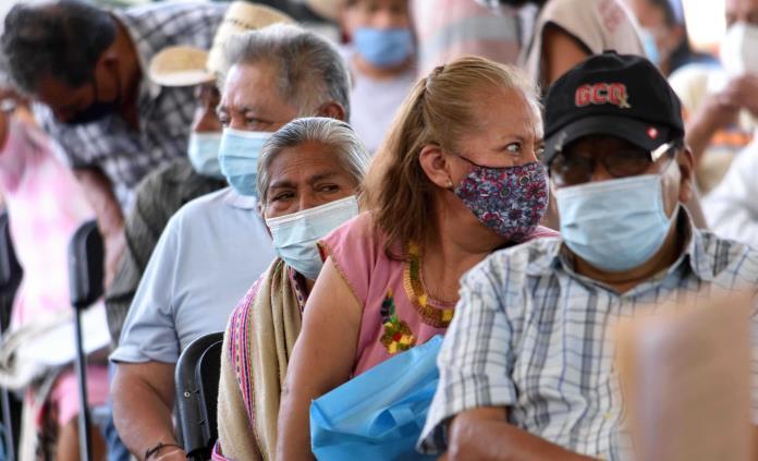 Aplican 21 mil 733 vacunas contra Covid-19 en la CDMX