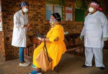 Anticuerpos de variante sudafricana de coronavirus ofrecen protección cruzada