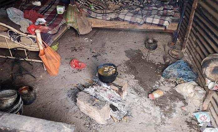 Adulto mayor cocinaba con leña, se quema y muere
