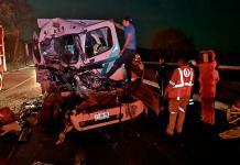 Fallece mujer en choque de pesados vehículos