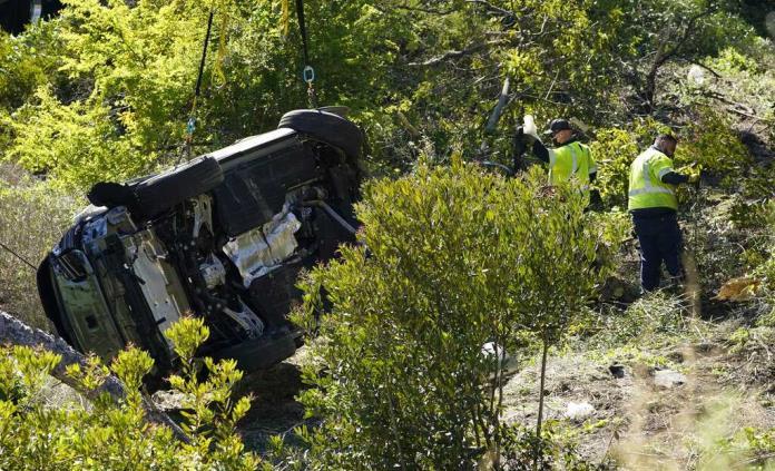 Detectives investigan la caja negra del accidente de Woods