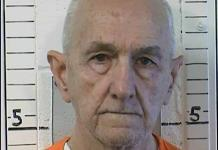 Estrangulan a asesino serial en prisión en California