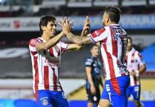 Chivas rescata empate de último minuto ante Querétaro