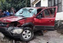 Accidente en Xilitla deja dos mujeres heridas y cuantiosos daños