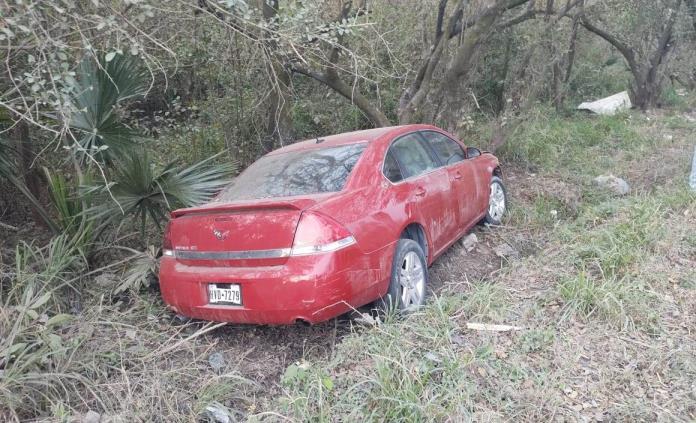 Solo daños deja un accidente en la carretera Valles-Tampico