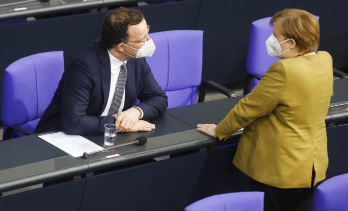 Alemania aprueba vacuna de AstraZeneca en adultos mayores