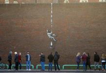 Banksy confirma haber hecho obra en muro de prisión