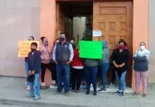 Familias demandan agua; se manifiestan en el Ayuntamiento