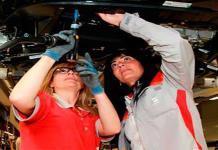 Mujeres se reincorporan a mercado laboral de manera lenta por Covid: Banxico