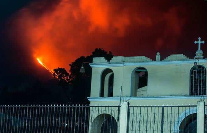 Volcán de Pacaya sigue su actividad