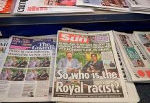 La prensa británica busca al miembro racista de la familia real