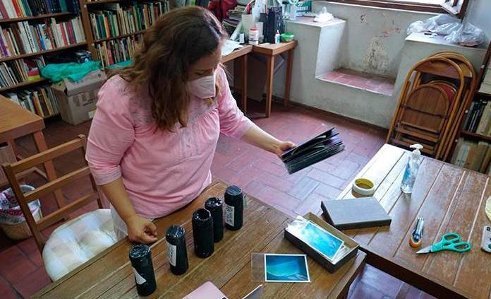 Artista mexicana captura imágenes con cámara estenopeica durante la pandemia