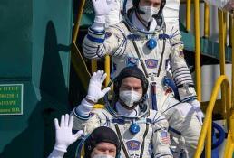 Astronautas de Rusia y EU llegan a la EEI