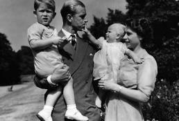 Británicos lloran muerte de su abuelo