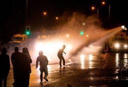 Irlanda del Norte vive su octava noche de disturbios