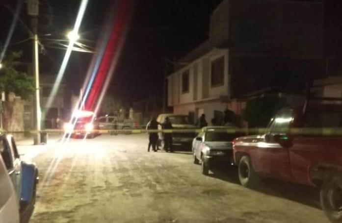 Matan a un hombre en Los Magueyes; le dejan cartulina con mensaje