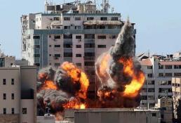 Israel destruye torre de medios informativos