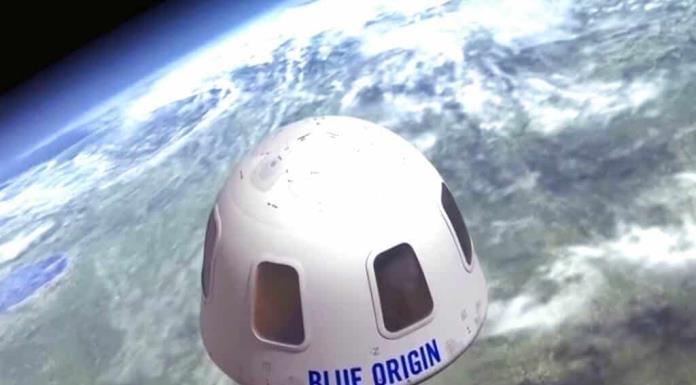 Pagan 28 millones de dólares por viajar al espacio junto a Jeff Bezos'>