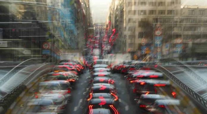 La UE multa a Daimler, BMW y VW, junto con sus divisiones Audi y Porsche por colusión'>