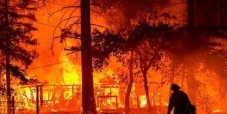 Más de 22,000 bomberos combaten 86 grandes incendios en Estados Unidos
