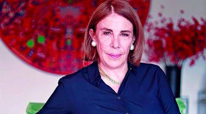En la sociedad que vivimos no hay nada que no se pueda comprar, afirma Sabina Berman'>