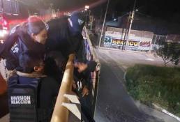 Policías frustran intento de suicidio en el Río Santiago