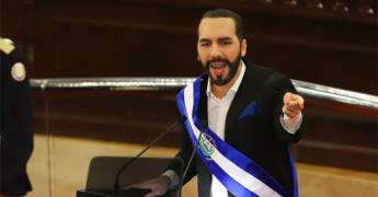 Nayib Bukele escribe en su biografía de Twitter dictador de El Salvador