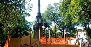 Olvidan restaurar monumento a la Independencia
